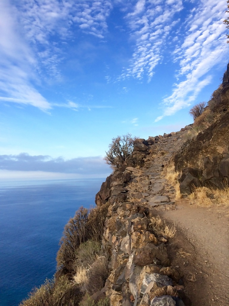 Switchbacks down the cliffs over the sea into Tazacorte